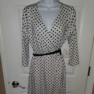 Lularoe Michelle B&W Wrap Dress Size M